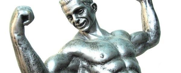 Escultura masculina de ferro