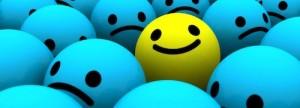 Bolas azuis e uma diferente, amarela