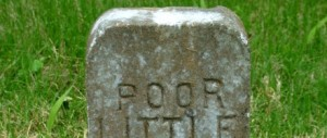 Pedra escrita pobre pequeno
