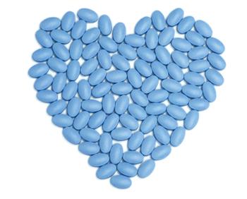 Coração feito de capsulas azuis